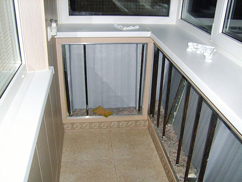 Остекление балконов с выносом хрущевок..