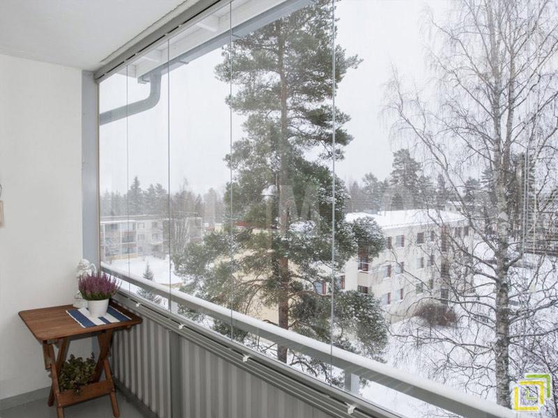 Безрамное остекление балконов и лоджий: фото.